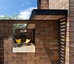 Wooden Brick Fence In What Is Fantastic Minimalist Wooden House Ideas With Wood Paneled Exterior And Modern Yellow Chair Patio Also Large Wooden Door Plus Exterior Ceiling With Wood Slats Timber Deck, Timber House, Wooden House, Australian Interior Design, Interior Design Awards, Modern Front Yard, Melbourne House, Melbourne Florida, Melbourne Australia