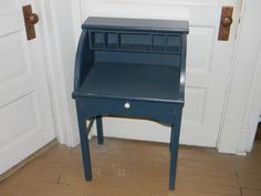 Child-sized, this desk is great for a playroom or bedroom, can be used as an accent piece in a family room or den. has one drawer and cubby holes. Great to hold chargers for phones, ipads etc....
