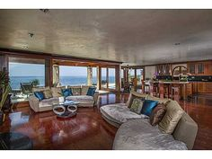 Oceanfront living in La Jolla is certainly an enviable life experience, made even more special by the unique attributes of this unbelievable home and phenomenal location! #LAJOLLA #SANDIEGO #OCEANFRONT #VIEWS #FORSALE www.willisallen.com