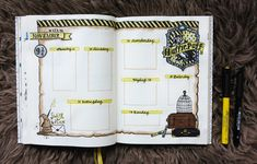 Bullet Journal - Harry Potter Hufflepuff-Thema - My CMS Bullet Journal 2019, Bullet Journal Notebook, Bullet Journal Spread, Bullet Journal Inspo, Bullet Journal Layout, Book Journal, Harry Potter Journal, Theme Harry Potter, Harry Potter Notebook