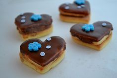 hnedo-modré srdiečka Cookies, Desserts, Food, Biscuits, Meal, Deserts, Essen, Hoods, Dessert