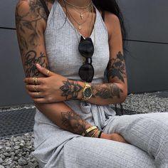 Best tattoo for women small unique tatoo ideas Trendy Tattoos, Sexy Tattoos, Body Art Tattoos, Sleeve Tattoos, Tattoo Girls, Girl Tattoos, Tatoos, Hippe Tattoos, Tribal Tattoos