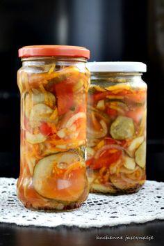 Sałatka na zimę Mason Jars, Vegetables, Food, Veggies, Mason Jar, Vegetable Recipes, Meals, Yemek, Eten