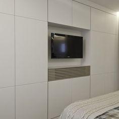 Wardrobe storage solutions built ins tvs 32 Ideas Living Room Storage, Bedroom Storage, Bedroom Decor, Condo Design, House Design, Closet Bedroom, Master Bedroom, Diy Cabinet Doors, Closet Layout