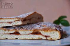 Focaccia dulce de mermelada # Si aún no habéis probado la focaccia dulce este es el momento. Veréis qué cosa más sencilla y qué buena está.    La masa es parecida ala delpan pero ligeramente azucarada. En este caso está rellena con ... »