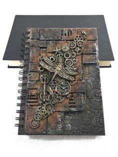 Arte Steampunk, Steampunk Crafts, Steampunk Design, Mixed Media Journal, Mixed Media Collage, Mixed Media Canvas, Mixed Media Boxes, Art Journal Techniques, Handmade Books