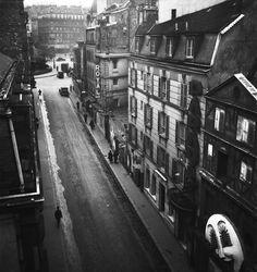 "Paris 1939 ""Rue Pigalle""   © Émile Savitry"