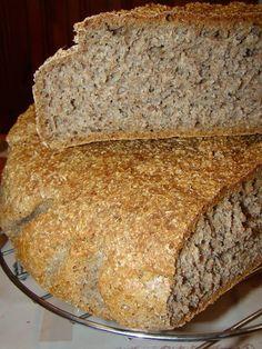Vollkornbrot - Dense Bread in Northern Europe Zucchini Pineapple Bread, Pear Bread, Banana Bread, Pear Dessert, Romanian Food, Quick Bread, Food Cakes, Sweet Bread, Cake Recipes