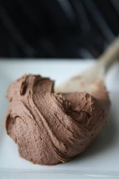 Think I'll just eat this stuff with a spoon! Divine Vegan Chocolate Frosting made with coconut milk - no marg!