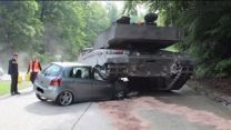 German Teen Makes Wrong Turn During Driver`s Ed In Front of Tank