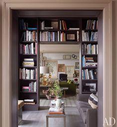 Mss om tussen bureau en living te maken, een boekenkastopening