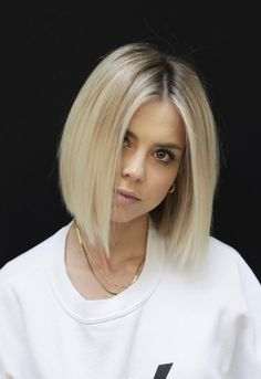 Perfect Blonde Bob Haircut Styles to Show Off in 2020 - Top-Trends Blonde Bob Haircut, Blonde Bob Hairstyles, Thin Hair Haircuts, Short Hair Cuts, Hairstyles Haircuts, Long Bob Haircuts, Medium Hair Styles, Natural Hair Styles, Short Hair Styles