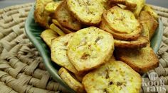 Air Fryer Banana Chips - Banana Chips Recipe With Philips Airfryer Recipe. How to make Air Fryer Banana Chips - Banana Chips Recipe With Philips Airfryer by Richa Gupta - Plattershare. Gourmet Recipes, Snack Recipes, Cooking Recipes, Baby Recipes, Power Air Fryer Recipes, Banane Plantain, Air Fried Food, Air Frier Recipes, Fried Bananas
