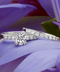 Love the simple elegance of this matched set.