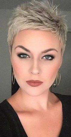 50 stunning short haircuts for women  #dailyfeedpins.com #hairstyle #shorthaircut #WomenFashion #womenhairstyle