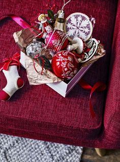 The key to creating the Folklore look is to let your imagination take charge. Hark back to the traditional tales of Eastern Europe by introducing decorative touches like little golden gingerbread hearts, clay carol singers and felt-coated songbirds to your festive rooms.