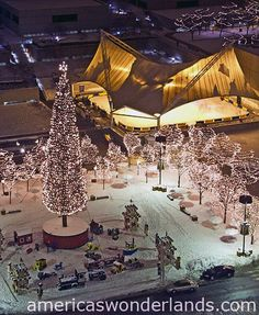 Kansas City - Crown Center - Skating rink on back under tent