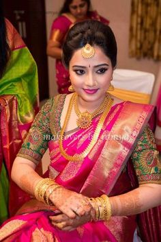 bridal blouse designs for silk sarees Wedding Saree Blouse Designs, Silk Saree Blouse Designs, Bridal Silk Saree, Saree Wedding, Silk Sarees, Indian Sarees, Indian Blouse, Organza Saree, Bridal Lehenga