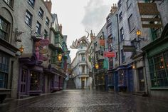 Harry Potter's Diagon Alley at Universal Orlando Resort makes you feel like you've been dropped right into the books and films.