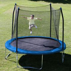 Stats 10-foot round trampoline with enclosure