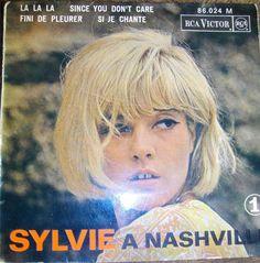 Sylvie Vartan, à Nashville - disque 45 tours RCA Victor, 1964 : si je chante (my whole world is falling down) - since you don't care - la, la, la - fini de pleurer