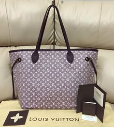 Louis Vuitton Neverfull Mm Idylle Shoulder Bag. Get one of the hottest styles of the season! The Louis Vuitton Neverfull Mm Idylle Shoulder Bag is a top 10 member favorite on Tradesy. Save on yours before they're sold out!