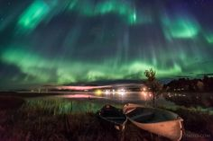 Photographer of the year 2016 entry. A vibrant aurora across the southern sky over Lake Akaslompolo, in Finland by Marcus Kiili. Kayaks, Aurora Borealis, Alaska, Mind Blowing Images, Night Sky Photos, Arctic Circle, Blood Moon, Beautiful Sky, Stargazing