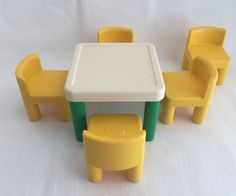 Vintage Little Tikes Dollhouse Furniture Table U0026 5 Chairs Tykes #LittleTikes  1980er, Puppenhaus Spielzeug