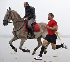 Leigh Halfpenny, hover human, racing a hover horse. Rugby Girls, Rugby Men, Rugby League, Rugby Players, Free Horse Racing Tips, Rugby Pictures, Rugby Quotes, Wales Rugby, Popular Sports