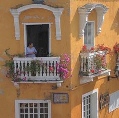 Seen at - European Summer, Italian Summer, Summer Aesthetic, Travel Aesthetic, Aesthetic Pics, Photographie Indie, Summer Dream, Northern Italy, Jolie Photo