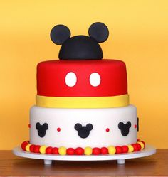 Mickey (by The Cookie Shop) - Disney Cakes Bolo Do Mickey Mouse, Fiesta Mickey Mouse, Mickey Mouse 1st Birthday, Mickey Mouse Parties, Mickey Party, 2nd Birthday, Birthday Ideas, Disney Mickey, Disney Parties