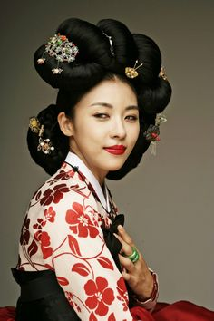 Korea, Joseon Dynasty Ga Chae Wig, Gisaeng style of Eun' Jun Meori