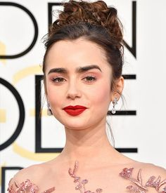 Lily Collins - Golden Globes 2017 best makeup