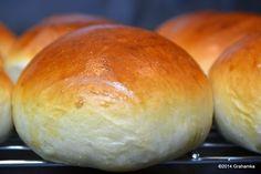 Bułki maślane How To Make Bread, Food To Make, Bread Bun, Bread Machine Recipes, Holiday Desserts, Good Food, Food And Drink, Favorite Recipes, Ibs