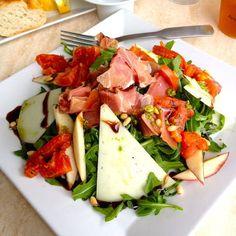 Mantén tu DIETA y come delicioso con esta rica receta de ensalada mediterránea | ¿Qué Más?