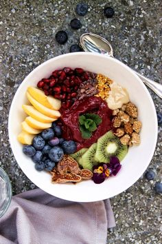 RAINBOW MORNING BOWL W/ BERRY PUDDING by heartybite