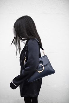 Fashion Gone rouge Toni And Guy Products, Jw Anderson Bag, Bella Hadid Outfits, Fashion Gone Rouge, Cute Blazers, Minimal Chic, College Fashion, Faux Leather Jackets, Love Fashion