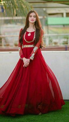 Indian Dresses Online, Indian Fashion Dresses, Pakistani Wedding Outfits, Pakistani Dresses, Simple Dresses, Beautiful Dresses, Formal Dresses, Party Wear, Party Dress