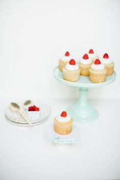 Get the recipe for Buttercup Houston's delicious classic vanilla bean cupcake that's featured on Darling Magazine today!