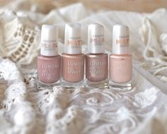 """Blogger Minttu/Go 4 it vol. 2 usually chooses deep, dark shades for her nails in the autumn, but now went for sophisticated nude shades instead. """"Feel surprisingly good"""", she states! #nailpolish #lumene"""