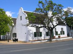 Typical Cape Dutch style house in Stellenbosch Cape Colony, South African Wine, Cape Dutch, Dutch House, Rosemary Beach, Cottage Homes, Traditional House, Holland, Beautiful Homes