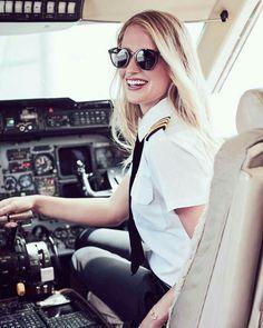 Female Pilot ( Maria Fagerström) - Pilot - Women in Uniform Spieth Und Wensky, Pilot Uniform, Female Pilot, Honda Pilot, Cabin Crew, Flight Attendant, Role Models, Portrait, Lady