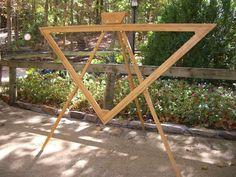 This is one of my favorites on dewberryridge.com: Triangle Loom
