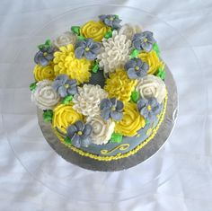 wreath of grey and yellow