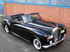 Beloved family's Rolls-Royce up in flames Bentley Rolls Royce, Rolls Royce Cars, Retro Cars, Vintage Cars, Antique Cars, Classic Rolls Royce, Rolls Royce Silver Cloud, Automobile, Best Classic Cars