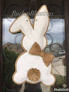 Hand-painted, shabby chic Mr-or-Mrs Easter Bunny burlap door hanger - Hand painted shabby chic Mr or Mrs Easter Burlap Crafts, Decor Crafts, Burlap Projects, Hoppy Easter, Easter Bunny, Easter Eggs, Diy Osterschmuck, Easter Crafts For Adults, Painting Burlap