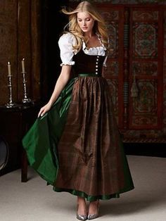 こちらは、オーストリアのディアンドルという衣装。アルプス山脈の農家の女性が着ていた伝統的な衣装で、ディアンドルは「娘さん」や「お嬢さん」という意味があるそうです。