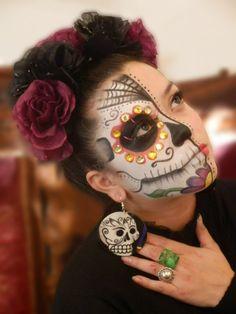 Example of Frida Kahlo headbands Makeup Looks Tutorial, Makeup Tutorial For Beginners, Eye Tutorial, Makeup Tutorials, Makeup Ideas, Beginner Makeup, Eyeshadow Tutorials, Eyeliner Tutorial, Makeup Tips
