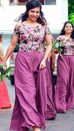 Bridesmaid dresses - Ideas For Dress Bridesmaid Brides Made Indian Bridesmaid Dresses, Bridesmaid Saree, Indian Gowns Dresses, Bridal Dresses, Trendy Dresses, Nice Dresses, Casual Dresses, Fashion Dresses, Choir Dresses