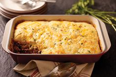 Short on time but need to feed a crowd? This Cornbread-Topped Beef Casserole could be the answer. Serves 10 in just under an hour.